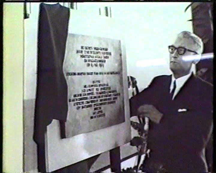 Minister Rolvink 1960 legde een steen