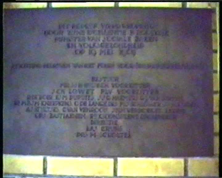 steen die Minister Rolvink zette